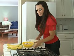 Babe, Brunette, Housewife, MILF
